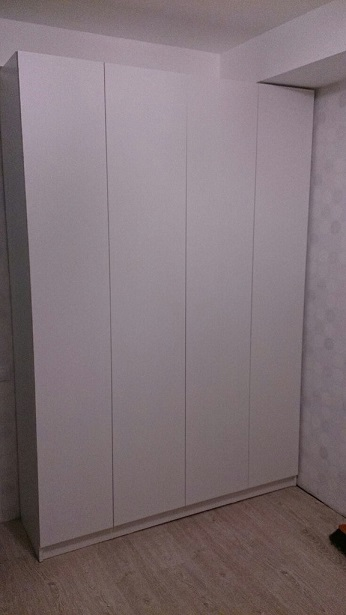 4-створчатый распашной шкаф белый