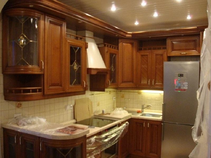 кухня из массива Лазо