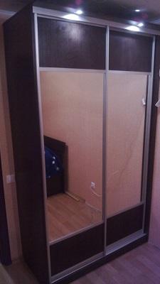 Шкаф купе корпусный с зеркальными вставками