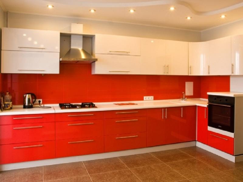 красно-белая угловая кухня Альба