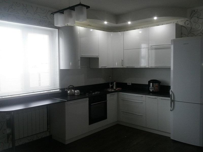 белая глянцевая кухня МДФ эмаль Ева