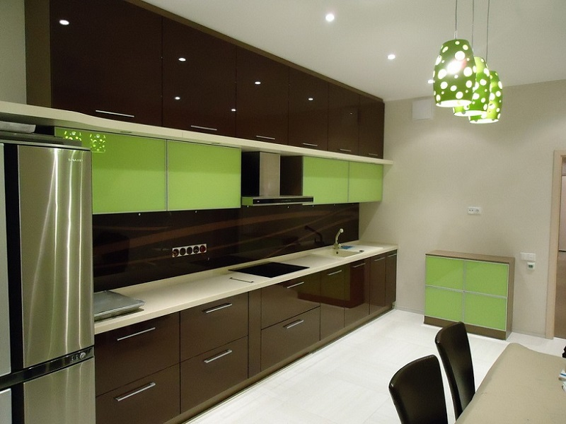 Прямая встроенная кухня МДФ эмаль и пластик Мари
