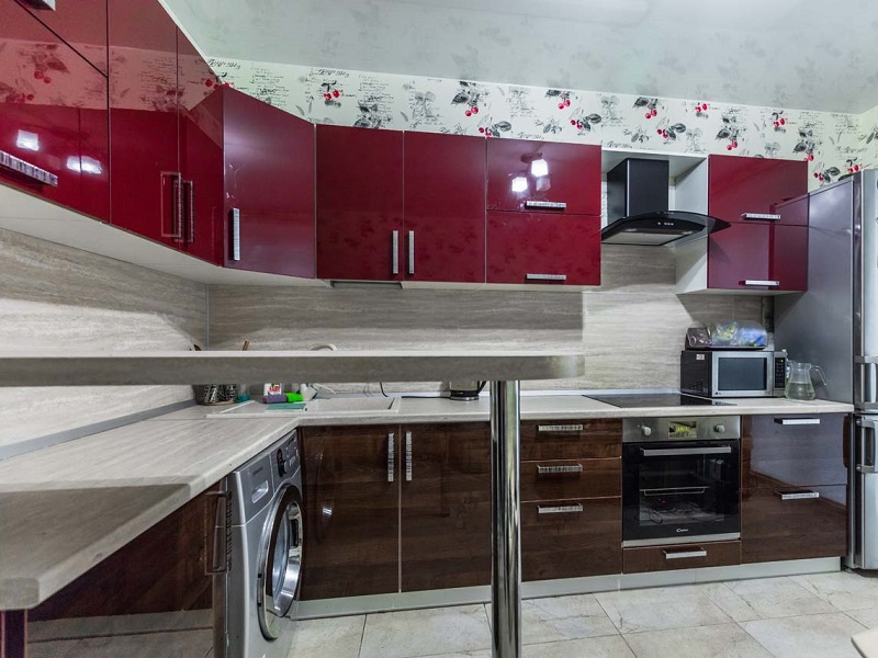 Кухня модерн с барной стойкой эмаль Роксана