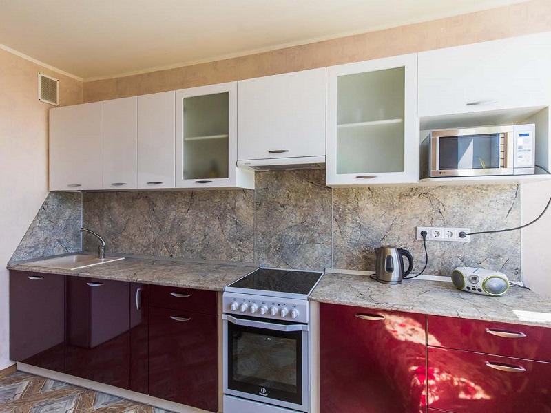 прямая глянцевая кухня МДФ пленка Стар