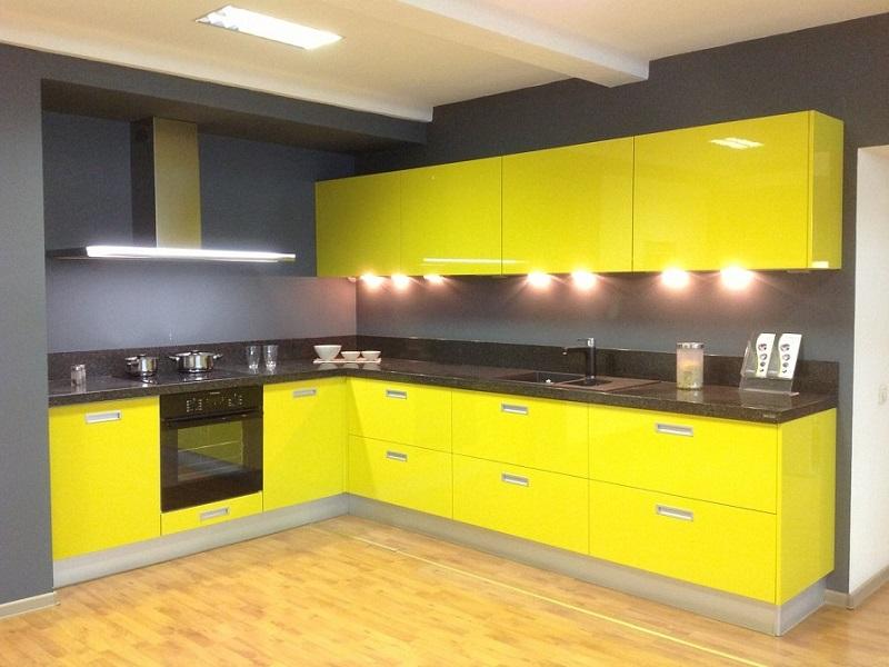 Желтая кухня встроенная МДФ эмаль Стефани