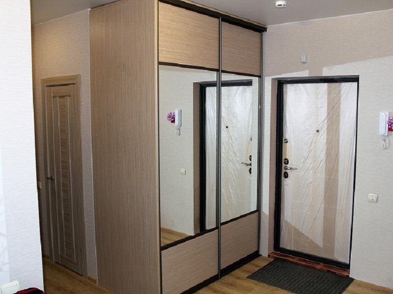 2 зеркальные двери-купе