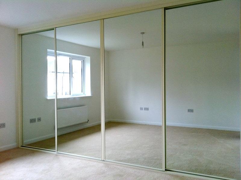 4 зеркальные двери-купе