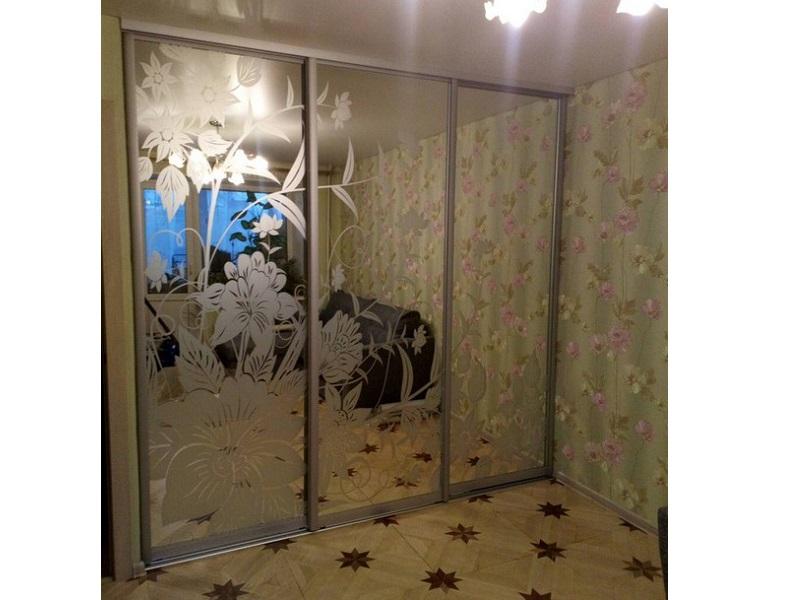 3 двери с пескоструйным рисунком