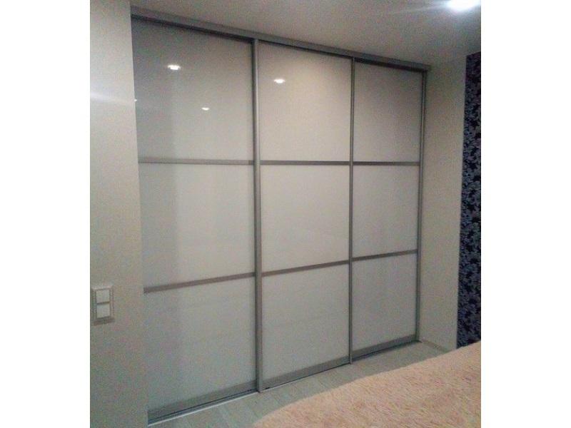Двери-купе в нишу стекло глянец