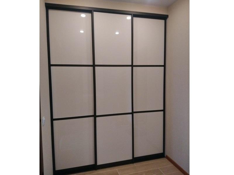 Двери-купе стекло глянец в спальню