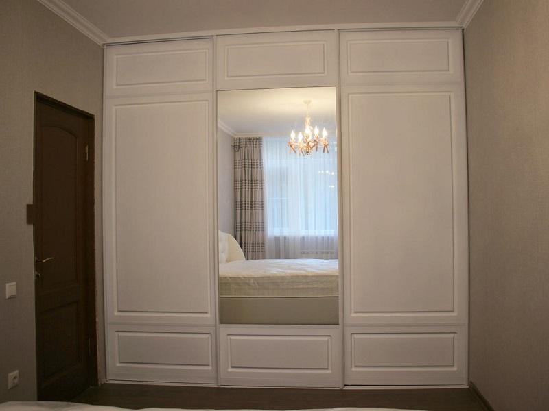 Двери-купе классика с зеркалом