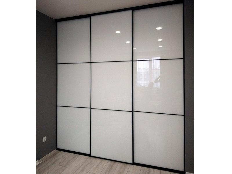 Двери-купе белое стекло с делителями