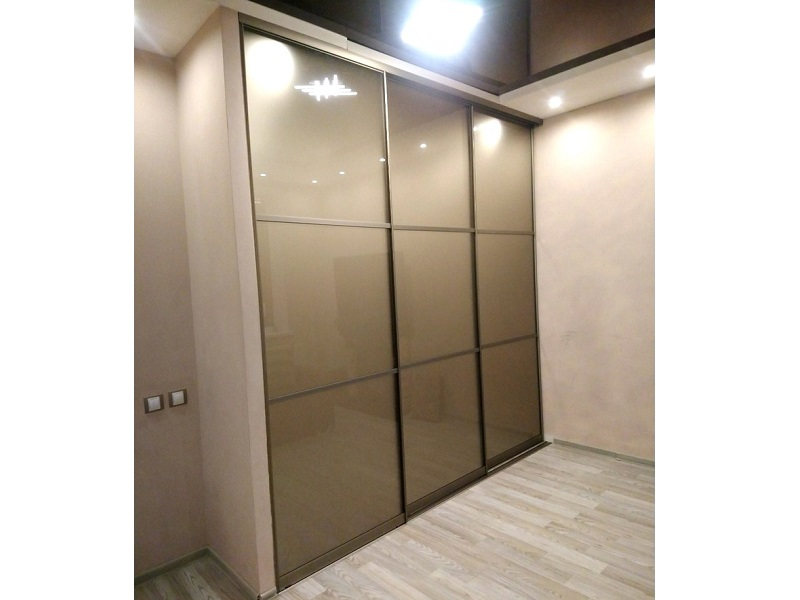 Двери-купе коричневое стекло