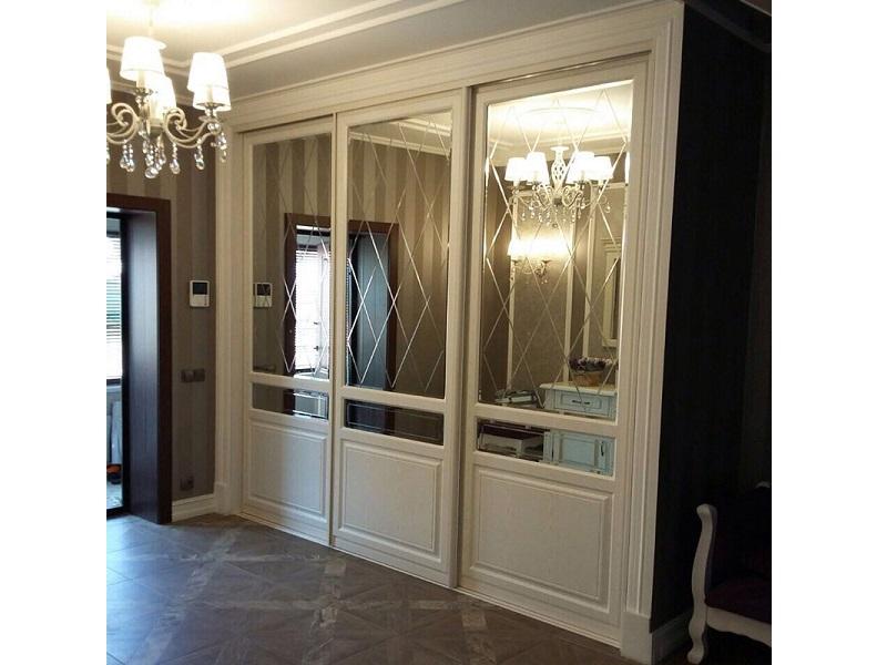 Зеркальные двери-купе с МДФ